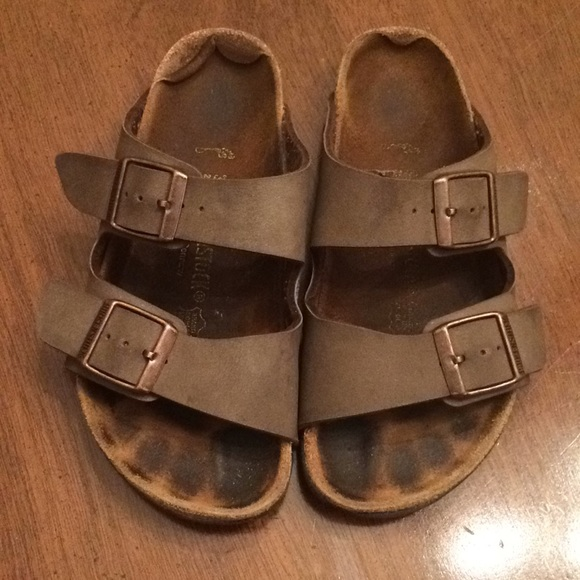 405adf83d3d Birkenstock Other - Birkenstock size 33 sandals